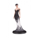 1:8 Catwoman (Wedding Dress) DC Cover Girls Statue