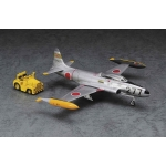 1:72 T-33A Shooting Star With Tow Tractor