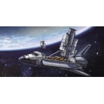 1:200 Hubble Telescope and Space Shuttle with Astronauts