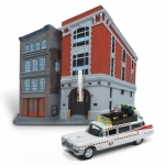 1:64 Ghostbusters ECTO-1A with Firehouse Diorama