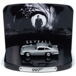 1:64 James Bond Skyfall Aston Martin DB5 with Collectors Display