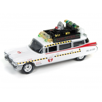 1:64 Ghostbusters Ecto-1A