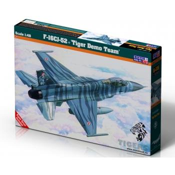 1:48 F-16 CJ-52 Tiger Demo Team